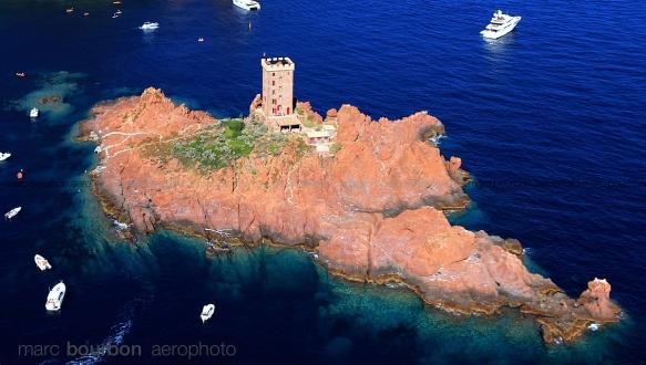 L'île d'Or et les roches rouges de l'Estérel